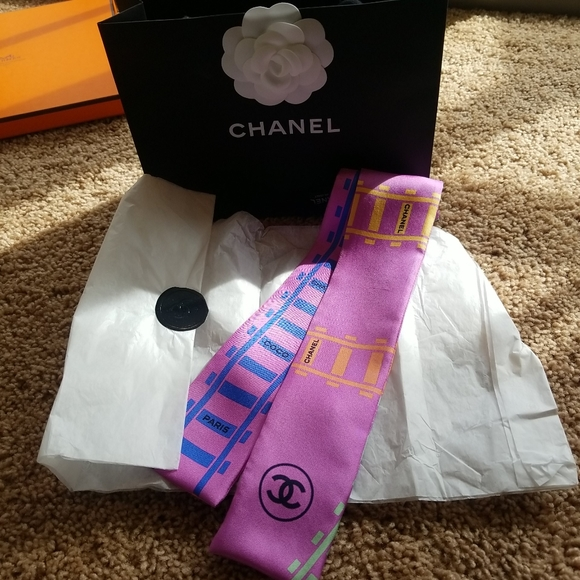 Auth Chanel Rare Bandeau Twilly Scarf with bag